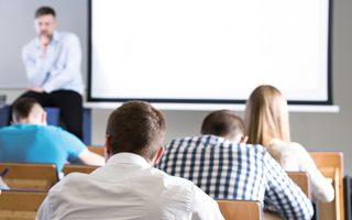 Σκοπός είναι η ενίσχυση των υποδομών των ΑΕΙ, η αναβάθμισή τους σε τεχνολογικό και επιστημονικό εξοπλισμό, καθώς και η υποστήριξη της φοιτητικής μέριμνας μέσω της αύξησης της δυναμικότητας των φοιτητικών εστιών. (Φωτ. SHUTTERSTOCK)