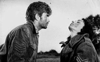 Η ταινία «Εκδρομή» του Τάκη Κανελλόπουλου προβάλλεται στο πλαίσιο της δράσης «Σινεμά, Ανοιχτό» του Ιδρύματος Ωνάση και της Ελληνικής Ακαδημίας Κινηματογράφου.