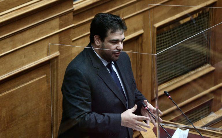 Θ. Λιβάνιος: Τι προβλέπει το νομοσχέδιο για τα ΜΜΕ