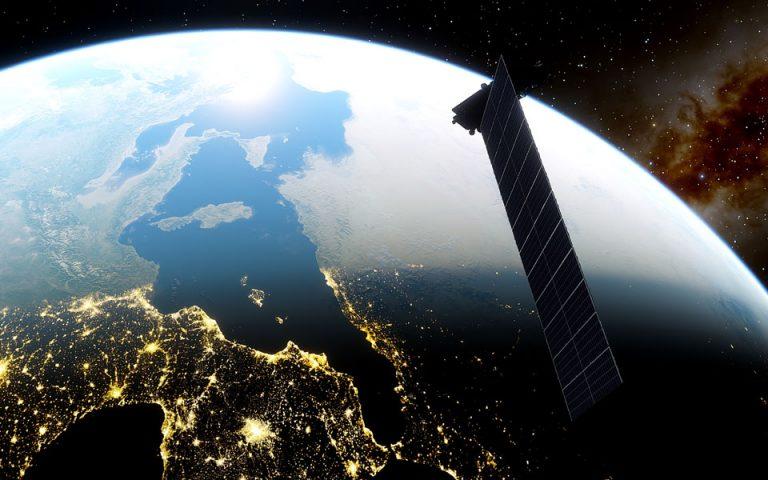 Άνοιξαν και για την Ελλάδα οι παραγγελίες για το γρήγορο, δορυφορικό ίντερνετ του Έλον Μασκ