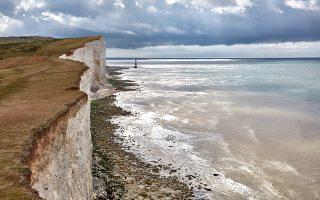 Οι απότομοι βράχοι στην ακτή του South Downs, Αγγλία, 3 Ιουλίου 2017. (Andy Haslam/The New York Times)