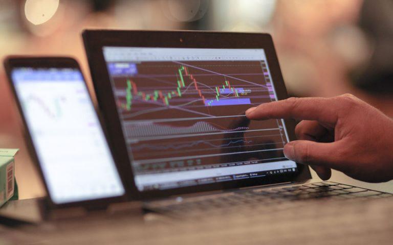 UBS: Τι να κάνετε τα μετρητά σας τώρα