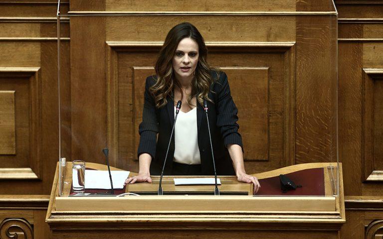 Κριτική Αχτσιόγλου στον υπουργό Οικονομικών για τα νέα μέτρα