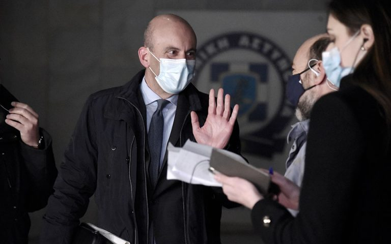 Δικηγόρος Λιγνάδη: «Αρνείται όλα όσα ακούγονται»