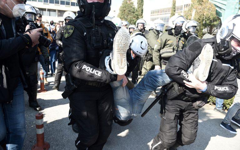 ΑΠΘ: Τριάντα προσαγωγές μετά την επέμβαση της αστυνομίας