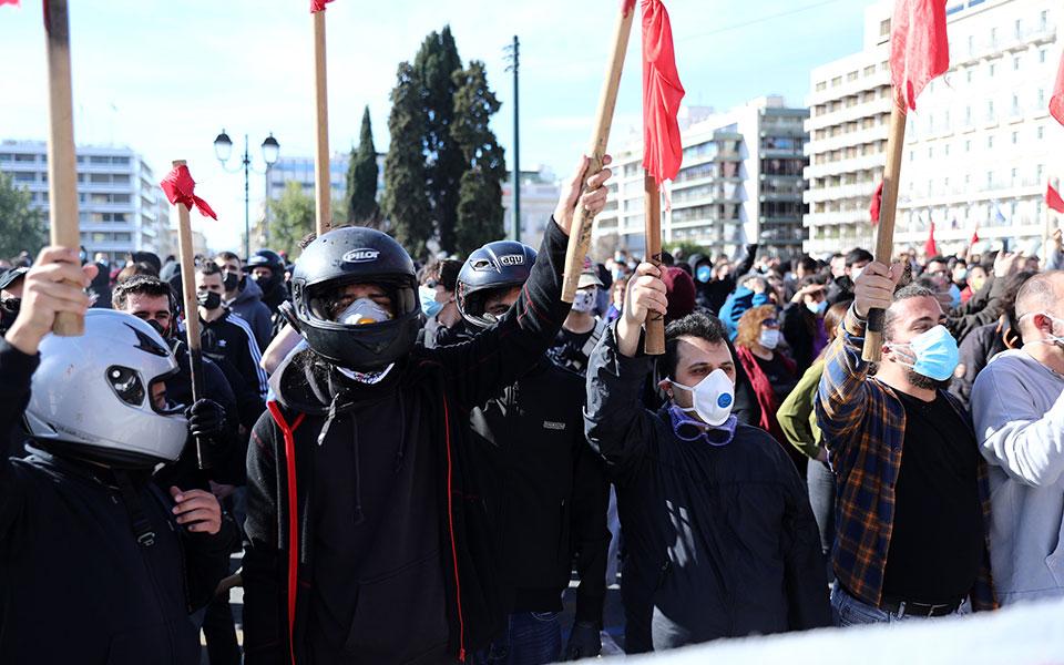 entasi-stis-diadiloseis-se-athina-kai-thessaloniki11
