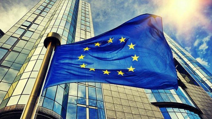 Σε ευρωπαϊκό δικαστήριο ομόφυλες για να αποκτήσει εθνικότητα το μωρό τους