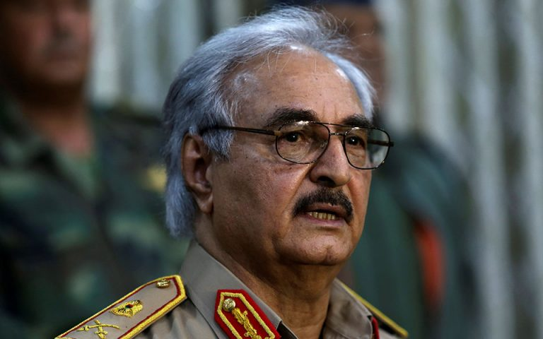 Λιβύη: Ο Χαφτάρ δεσμεύεται να στηρίξει την ειρηνευτική διαδικασία