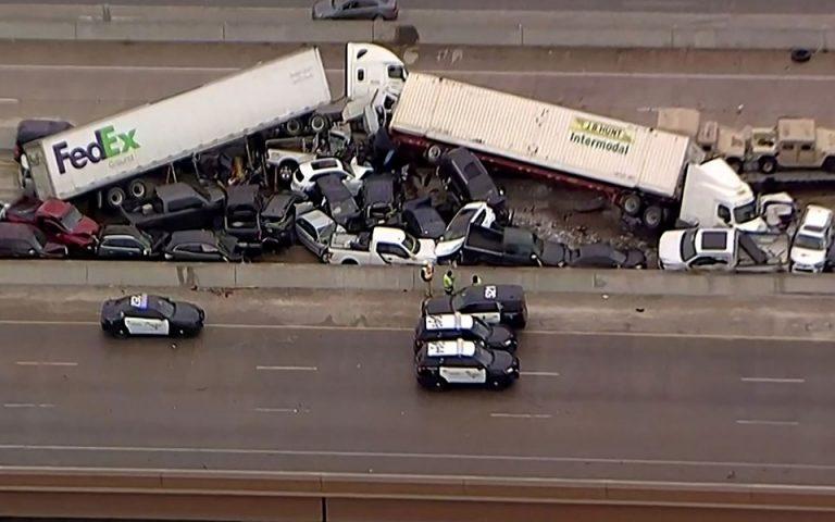 Τέξας: Καραμπόλα 100 οχημάτων με νεκρούς και τραυματίες