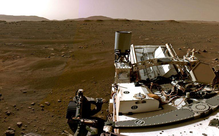 Νέες φωτογραφίες: O φακός του «Perseverance» στην επιφάνεια του Άρη