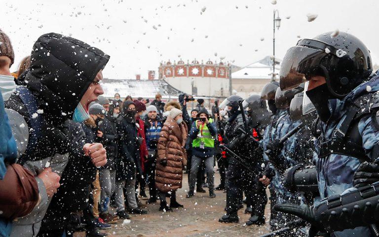 Ρωσία: Πάνω από 5.300 συλλήψεις στις διαδηλώσεις υπέρ Ναβάλνι (εικόνες)