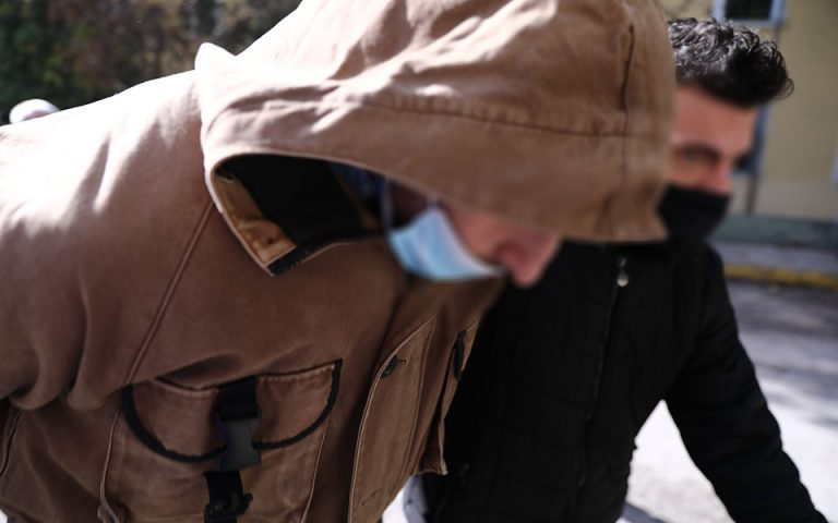 Στη φυλακή ο οδηγός σχολικού που κατηγορείται για τον φόνο συναδέλφου του