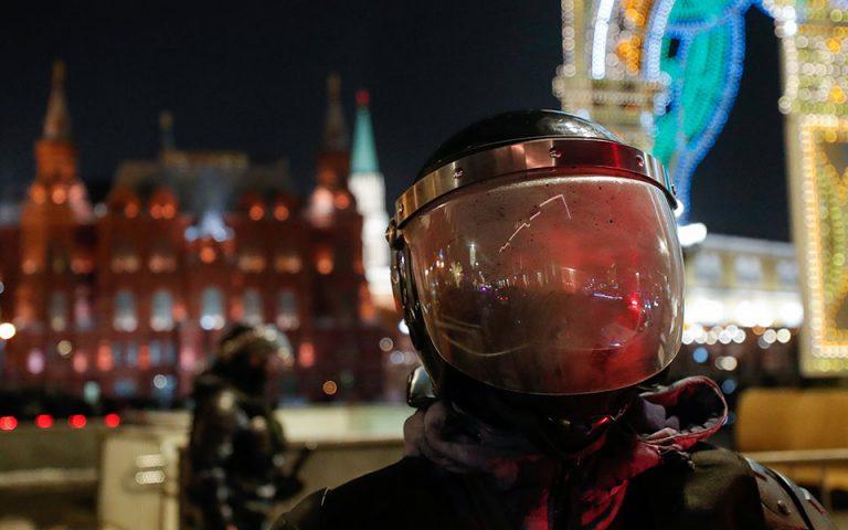 Ρωσία: Η αστυνομία συλλαμβάνει με διαδηλωτές με ψηφιακό face control
