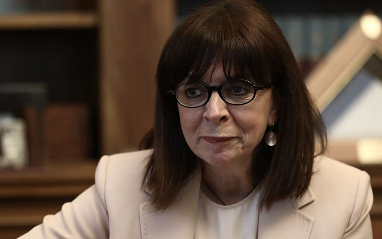 K. Σακελλαροπούλου: Ο ευρωσκεπτικισμός βρίσκει έδαφος στις κρίσεις της Ευρώπης