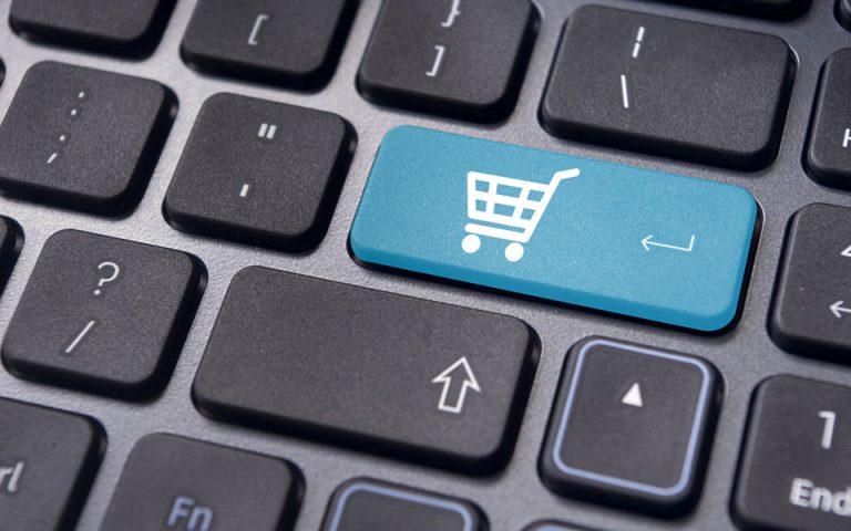 Ψάχνουν χαμηλότερες τιμές στα ηλεκτρονικά καταστήματα