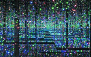 Απεικόνιση του Απείρου (λεπτομέρεια) από τον εικαστικό καλλιτέχνη Yayoi Kusama. Infinity Mirrored Room - Filled with the Brilliance of Life (2011/2017), Tate. Φωτ. LUCY DAWKINS / TATE