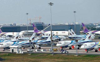 Το 2020 υπήρξε η πιο δύσκολη περίοδος στην ιστορία της παγκόσμιας αεροπορίας, σύμφωνα με την ΙΑΤΑ (φωτ. Reuters).
