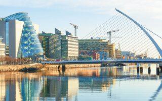 Τριάντα έξι εταιρείες χρηματοπιστωτικών υπηρεσιών έχουν ήδη μετακομίσει ή ετοιμάζουν άμεσα τη μετεγκατάστασή τους στην πρωτεύουσα της Ιρλανδίας (φωτ. SHUTTERSTOCK).