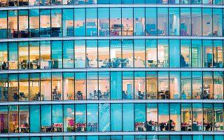 Στα αυτοτελή κτίρια γραφείων με θέσεις στάθμευσης, τη μεγαλύτερη άνοδο με 1,63% κατέγραψαν τα ενοίκια στη Λ. Συγγρού (φωτ. Shutterstock).