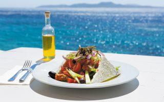 Aναμένουμε ένα καλοκαίρι καλύτερο από αυτό του 2020 και η ελληνική κουζίνα θα κληθεί να παίξει πρωταγωνιστικό ρόλο. (Φωτ. SHUTTERSTOCK)