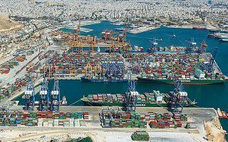 Το 2020 ήταν η πρώτη χρονιά που ο Πειραιάς κατέγραψε, ύστερα από πολλά έτη, μείωση των διακινούμενων εμπορευματοκιβωτίων.
