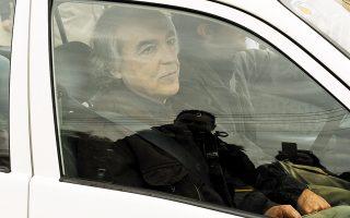 Ο καταδικασμένος σε 11 φορές ισόβια για τις στυγερές δολοφονίες της «17 Νοέμβρη» Δημήτρης Κουφοντίνας αντιδρά στη μεταφορά του στις φυλακές Δομοκού και ζητεί την επιστροφή του στον Κορυδαλλό. (Φωτ. INTIME NEWS / ΝΙΚΟΣ ΠΑΝΑΓΙΩΤΟΠΟΥΛΟΣ)