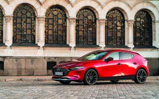 Οι εκδόσεις με τον κινητήρα e-Skyactiv X αποτελούν σήμερα το 40% των μοντέλων Mazda 3 (φωτ.) και CX-30, που πουλήθηκαν πανευρωπαϊκά το 2020.