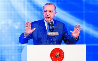 ο Ερντογάν προσπαθεί να κλείσει πολλά από τα μέτωπα που έχει ανοίξει με την εξωτερική πολιτική που ασκούσε ο ίδιος τα τελευταία χρόνια.  Φωτ. REUTERS / Murad Sezer