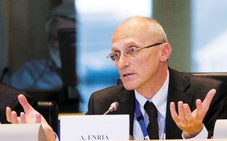Ο πιστωτικός κίνδυνος αποτελεί μία από τις πιο άμεσες προκλήσεις για τον ευρωπαϊκό τραπεζικό τομέα, επισήμανε ο επικεφαλής του Ενιαίου Εποπτικού Μηχανισμού, Αντρέα Ενρία (φωτ. Reuters).