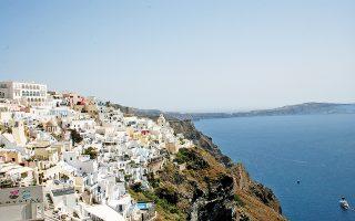 Ανακάμπτει η ζήτηση για ελληνικούς προορισμούς, προς τους οποίους, για λόγους υγειονομικής ασφάλειας, οι ταξιδιώτες προτιμούν να μεταβαίνουν μέσω απευθείας πτήσεων.