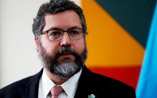 Kατά τους ειδικούς, η παραίτηση Αραούχο έβαλε τέλος στο πιο καταστροφικό κεφάλαιο στην ιστορία της βραζιλιάνικης διπλωματίας (φωτ. EPA/Esteban Biba).