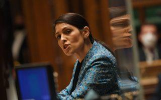 Η υπουργός Εσωτερικών του Ηνωμένου Βασιλείου, Πρίτι Πατέλ (φωτ.: Reuters).