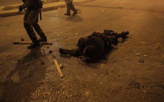 """«Οι δράστες φώναζαν """"σκοτώστε τον, πάρτε του το όπλο""""», ανέφερε στην κατάθεσή του ο αστυνομικός (φωτ. INTIME NEWS)."""