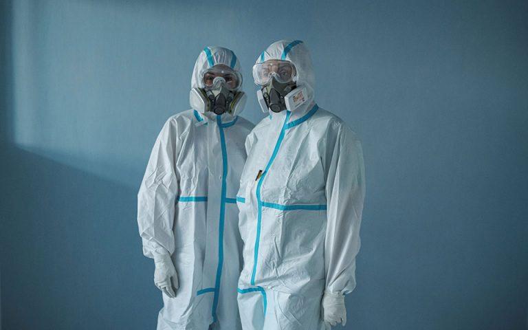 Επελαύνει ο ιός, γεμίζουν οι ΜΕΘ: Στα 3.073 τα νέα κρούσματα, 645 διασωληνωμένοι