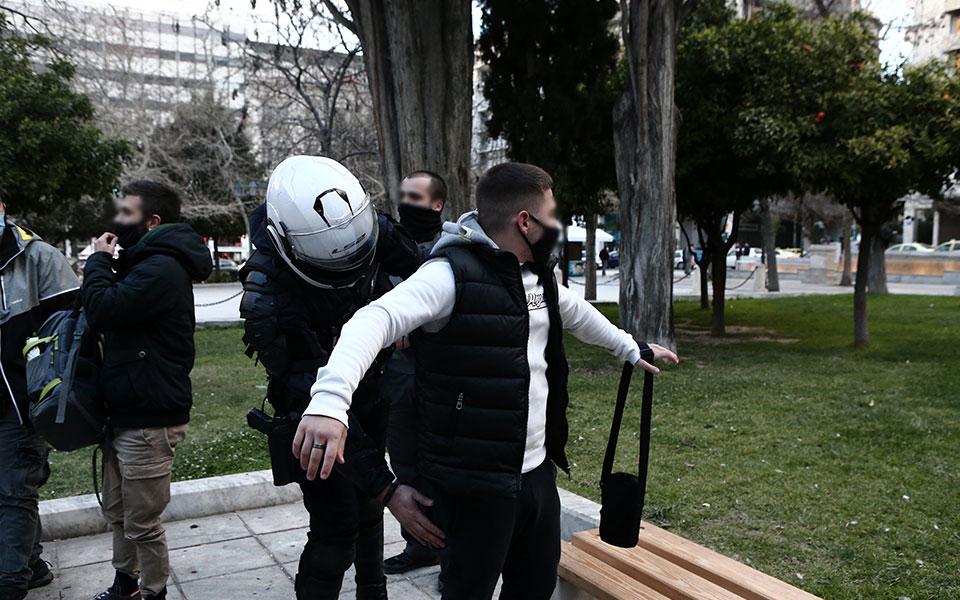 nea-sygkentrosi-yper-koyfontina-stin-plateia-syntagmatos13
