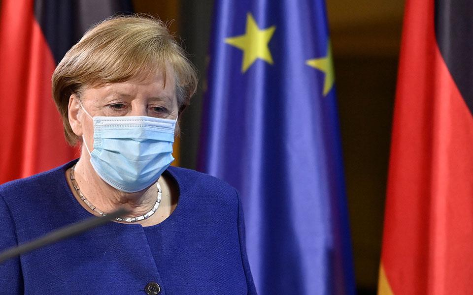 Πρόταση στην Μέρκελ να εμβολιαστεί με το εμβόλιο Astrazeneca