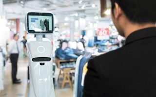 Eφαρμογή τεχνητής νοημοσύνης η Eurostat θεωρεί και τη χρήση ρομπότ για την παροχή διαφόρων υπηρεσιών (επόπτευση χώρου, μεταφορές κ.ά.).