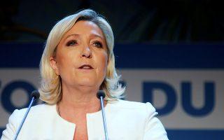 «Είναι καθήκον όλων των πατριωτών να ξεσηκωθούν για την ανάκαμψη της χώρας», σχολίασε η Λεπέν (φωτ. REUTERS/Charles Platiau).