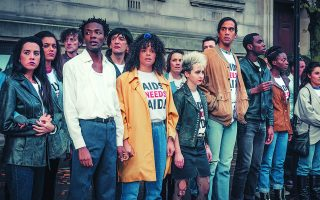 Ολοι οι πρωταγωνιστές συμφωνούν ότι είναι σημαντικό να ειπωθεί η ιστορία: «Ο Ράσελ έγραψε χαρακτήρες που ξεχειλίζουν από ζωή, χρώμα, όνειρα και φιλοδοξίες. Και αυτό θα εξανθρωπίσει την επιδημία του AIDS».