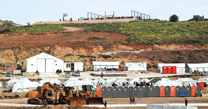 Ο προσωρινός καταυλισμός στον Καρά Τεπέ, δυναμικότητας 10.000 ατόμων, μπορεί να εξυπηρετήσει τις υφιστάμενες ανάγκες και να παραμείνει, ανέφερε ο υπουργός Μετανάστευσης και Ασύλου Νότης Μηταράκης (φωτ. INTIME NEWS).