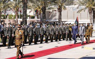 Ο Κυρ. Μητσοτάκης, κατά τη συνάντησή του με τον μεταβατικό πρωθυπουργό της Λιβύης Αμπντούλ Χαμίντ Ντμπεϊμπά, αναφέρθηκε στις πολλαπλές ευκαιρίες οικονομικής συνεργασίας ανάμεσα σε Ελλάδα και Λιβύη (φωτ. ΓτΠ ΠΑΠΑΜΗΤΣΟΣ ΔΗΜΗΤΡΗΣ).