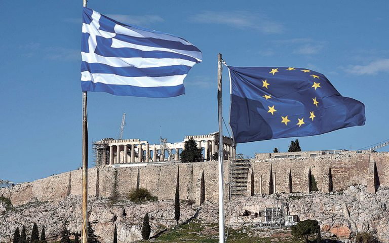 Θεωρούμε πως είναι βιώσιμο το ελληνικό χρέος, υποστήριξε ο Κόλιν Ελις, chief credit officer για την περιοχή Ευρώπη - Μέση Ανατολή στον οίκο Moody's.