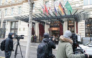 Το κλίμα στο εσωτερικό του Grand Hotel της Βιέννης, όπου άρχισαν οι διαπραγματεύσεις για το πυρηνικό πρόγραμμα του Ιράν, ήταν σαφώς καλύτερο. (Φωτ. A.P. Photo / Florian Schroetter)