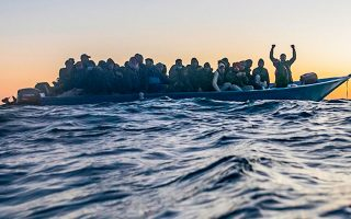 Τα πλοία των ΜΚΟ «γεμίζουν ένα σημαντικό κενό» στις διασώσεις προσφύγων, σημείωσε ο Φ. Γκράντι (φωτ. A.P.).