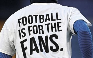 Η πίεση των νομιμόφρονων συλλόγων για τιμωρία των «12» άλλαξε τη στάση της UEFA (φωτ. REUTERS/Neil Hall).