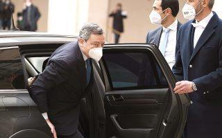 Ο νέος Ιταλός πρωθυπουργός εξαρχής κατέστησε σαφές ότι δεν επρόκειτο να γίνει «χειροκροτητής» των ευρωπαϊκών πολιτικών. (Φωτ. )