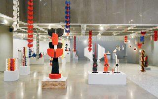 Μια μεγάλη αναδρομική έκθεση της Ιωάννας Σπητέρη παρουσιάζεται ψηφιακά από το Τελλόγλειο Ιδρυμα.