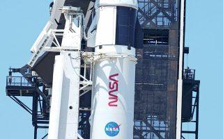 Το αποκλειστικό συμβόλαιο που έκλεισε η διαστημική εταιρεία του Μασκ με την αμερικανική διοίκηση Αεροναυτικής και Διαστήματος είναι ύψους 2,9 δισ. δολαρίων.