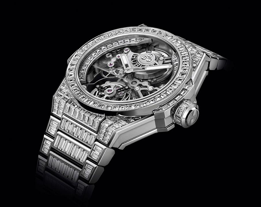 diafaneia-chroma-kai-diamantia-apo-tin-hublot-stin-watches-amp-038-wonders3