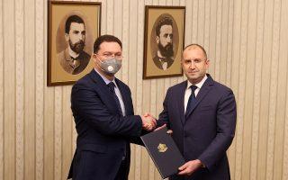 Τρεις ημέρες μετά τη λήψη εντολής σχηματισμού κυβέρνησης από τον πρόεδρο της Βουλγαρίας, Ρούμεν Ράντεφ, ο Ντάνιελ Μίτοφ αναγκάζεται να την επιστρέψει (φωτ.:  REUTERS/Stoyan Nenov).